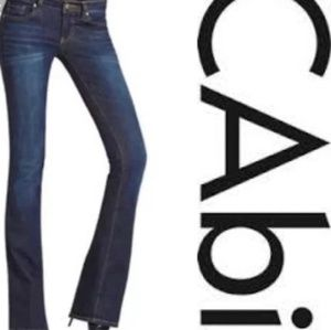 Great looking pair of CAbi jeans sz 2 euc ❤⚘❤